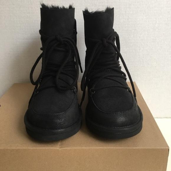 e343d804c43 New UGG Women Lodge Boots. NWT